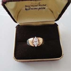 VINTAGE  ☆ Marquise CZ Ring, Size 10,  PRETTY!